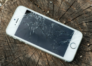 broken_iphone